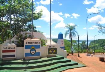 Hito de las tres fronteras, Puerto Iguazú