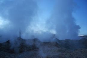 Zona volcánica Sol de mañana, Salar de Uyuni